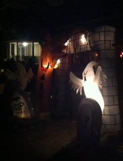 Trick or Treat 2011 �C.JPG